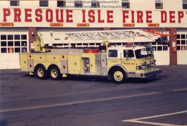 1982 Thibault Ladder truck, Presque Isle