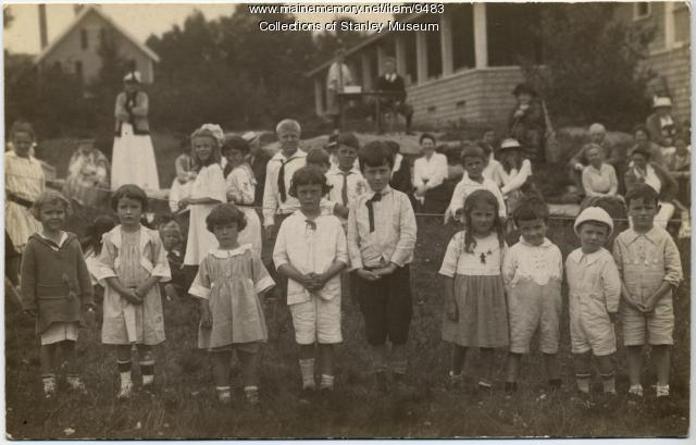 Squirrel Island children, ca. 1910
