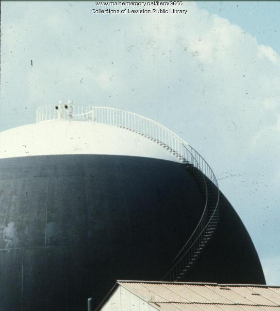 Gas tank, Lewiston, ca. 1960