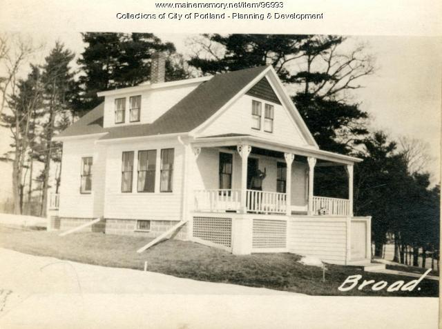 Dwelling, Broadway, Portland, 1924