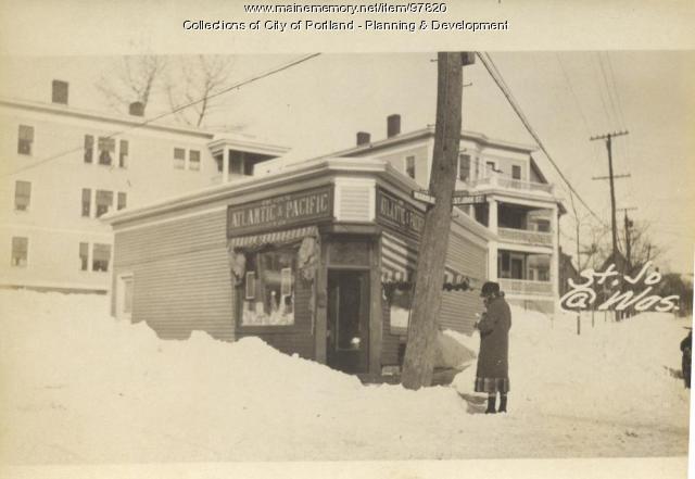 115-125 Washburn Avenue, Portland, 1924