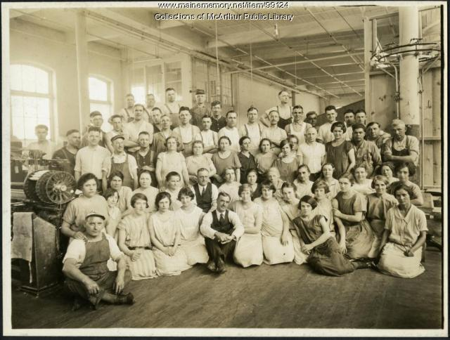 Pepperell Mills weavers, Biddeford, ca. 1925