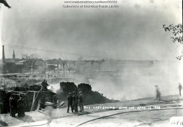 Ruins of Somesville neighborhood fire, Saco, 1908