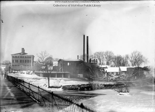 Ruins of Deering and Son's Lumber Company, Biddeford, 1913