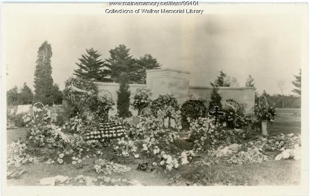 Woodbury K. Dana's grave, Westbrook, 1924