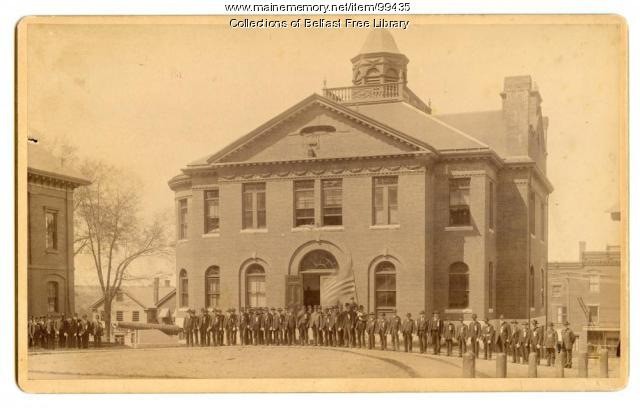 Civil War veterans at Memorial Hall, Belfast, ca. 1890
