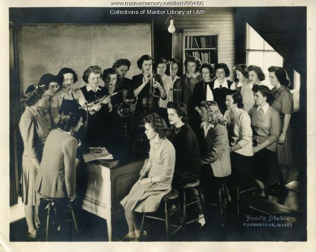 Sophomore Lab Class, Farmington State Normal School 1943-44